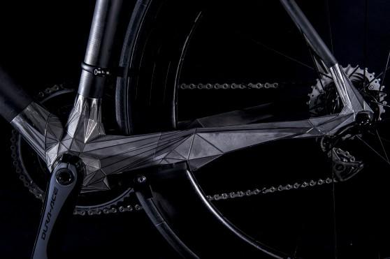 3Dプリンタでフレームパーツを作成した世界初のロードレース用自転車DFM01 OUSIA Designed by triple bottom line. N&R Foldings Japan co.,Ltd. Supported by DMM.make Akiba